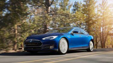 新的Tesla模型S 70D在途中