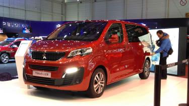 新的Peugeot旅行者MPV在日内瓦电机节目中展示